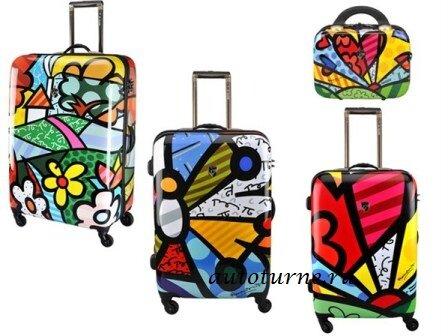 Отличия упаковки чемодана и спортивной сумки.
