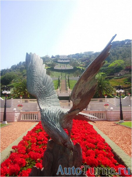 орел-статуя-